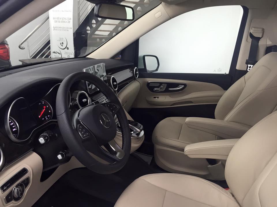 xe Mercedes Benz V220 Máy Dầu 7 chỗ Màu Trắng 010