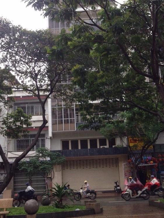 Nhà mặt tiền đường Huỳnh Văn Một 1 trệt 4 lầu Quận Tân Phú 01