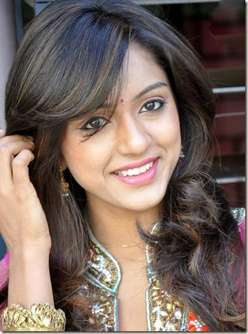 vithika_sheru_beautiful_photos