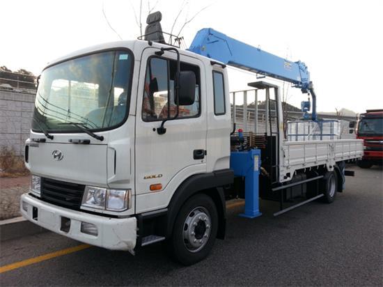 Xe tải Hyundai 5 tấn gắn cẩu
