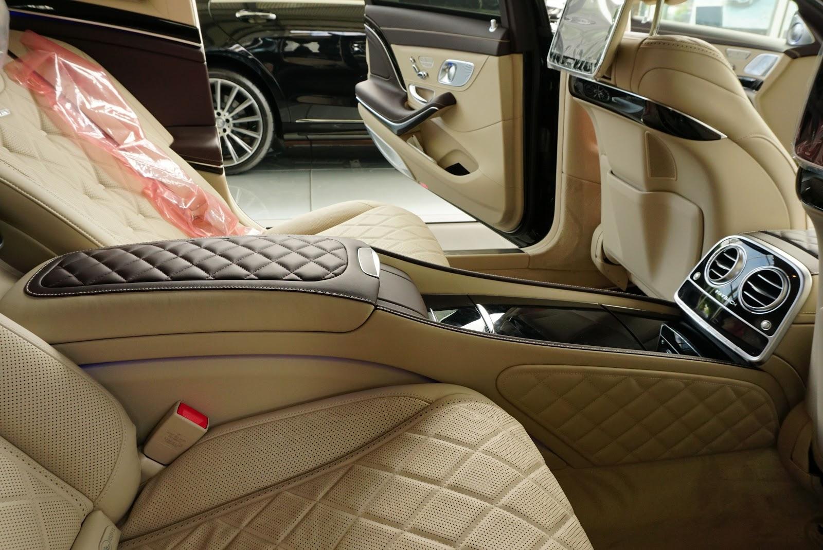 Nội Thất Xe Mercedes Benz S600 MAYBACH Màu Đen 020