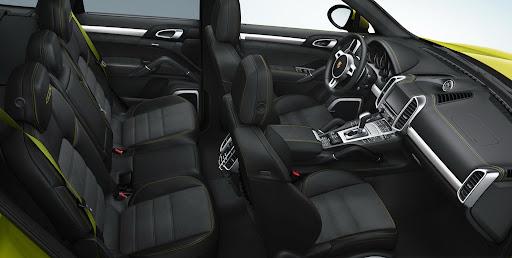 2013-Porsche-Cayenne-GTS-17.jpg