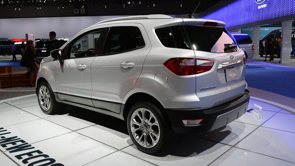 Xe Ford EcoSport 2018 màu bạc 06