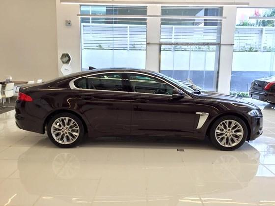 Xe Jaguar XF Premium Luxury 05