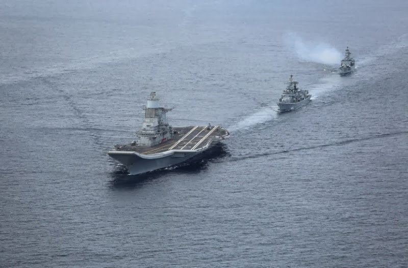 Aircraft-Carrier-INS-Vikramaditya-08-Indian-Navy-R