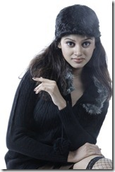 Tamil Heroine Oviya Latest Photoshoot Pics