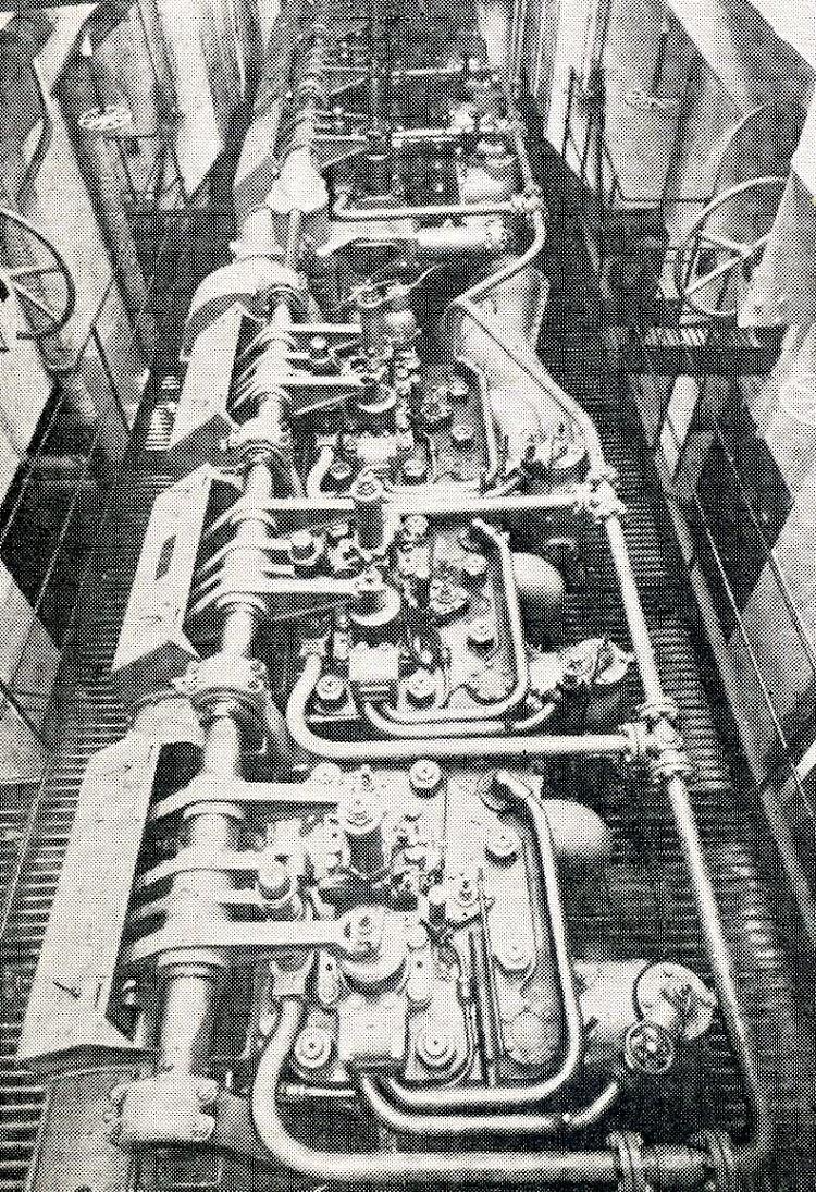 Parte superior del motor MAN principal. The Motor Ship. Marzo de 1927.JPG