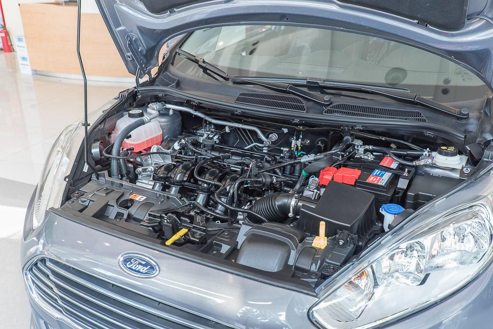 Nội thất xe ô tô Ford Fiesta 011