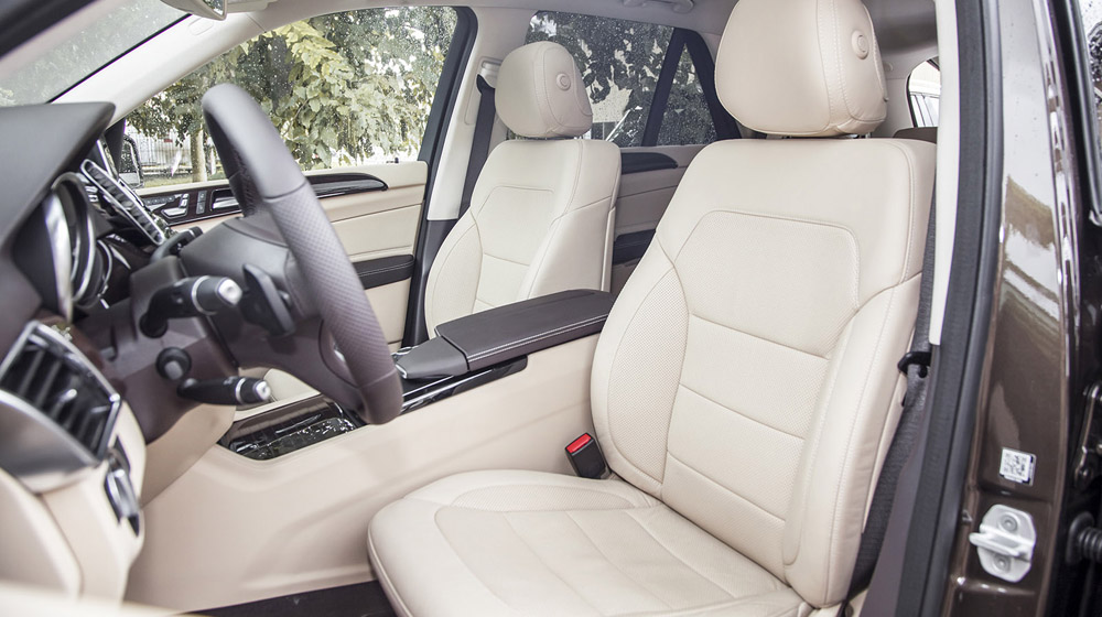 Nội thất xe Mercedes GLE 400 Exclusive 03