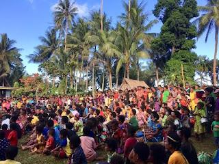 Một lễ hội trên đảo Kiriwina, Papua New Guinea.