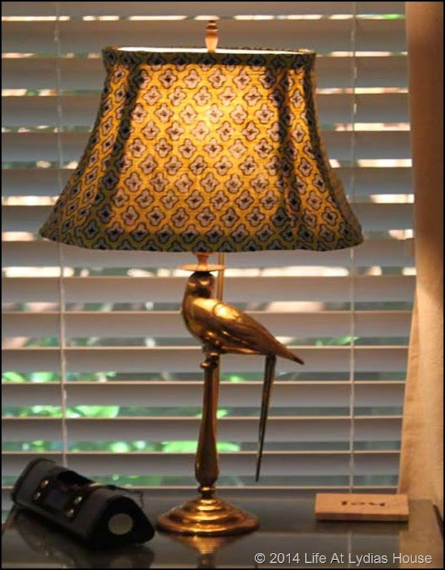 parrot lamps with blu and green shade thumb