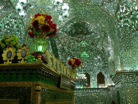 mormant de moaste Shiraz