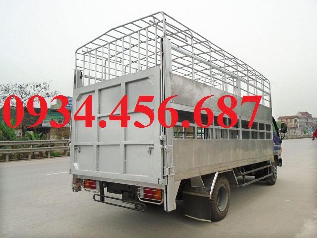 Hyundai 110s thùng chở lợn heo