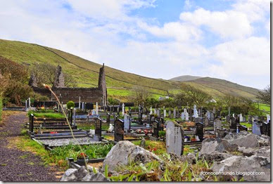 Peninsula de Dingle. Ruta de Slea Head. Kilmakedar church. Cementerio - DSC_0234