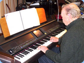 Colin Crann played a nice selection of songs on our Clavinova CVP-509