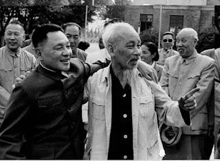 Thằng giặc già họ Đặng vừa ôm vai bá cổ Bác Hồ hôm trước, hôm sau đã vác ngay gậy dạy cho con cháu Người một bài học về sự ngu dốt. Tộ xư.