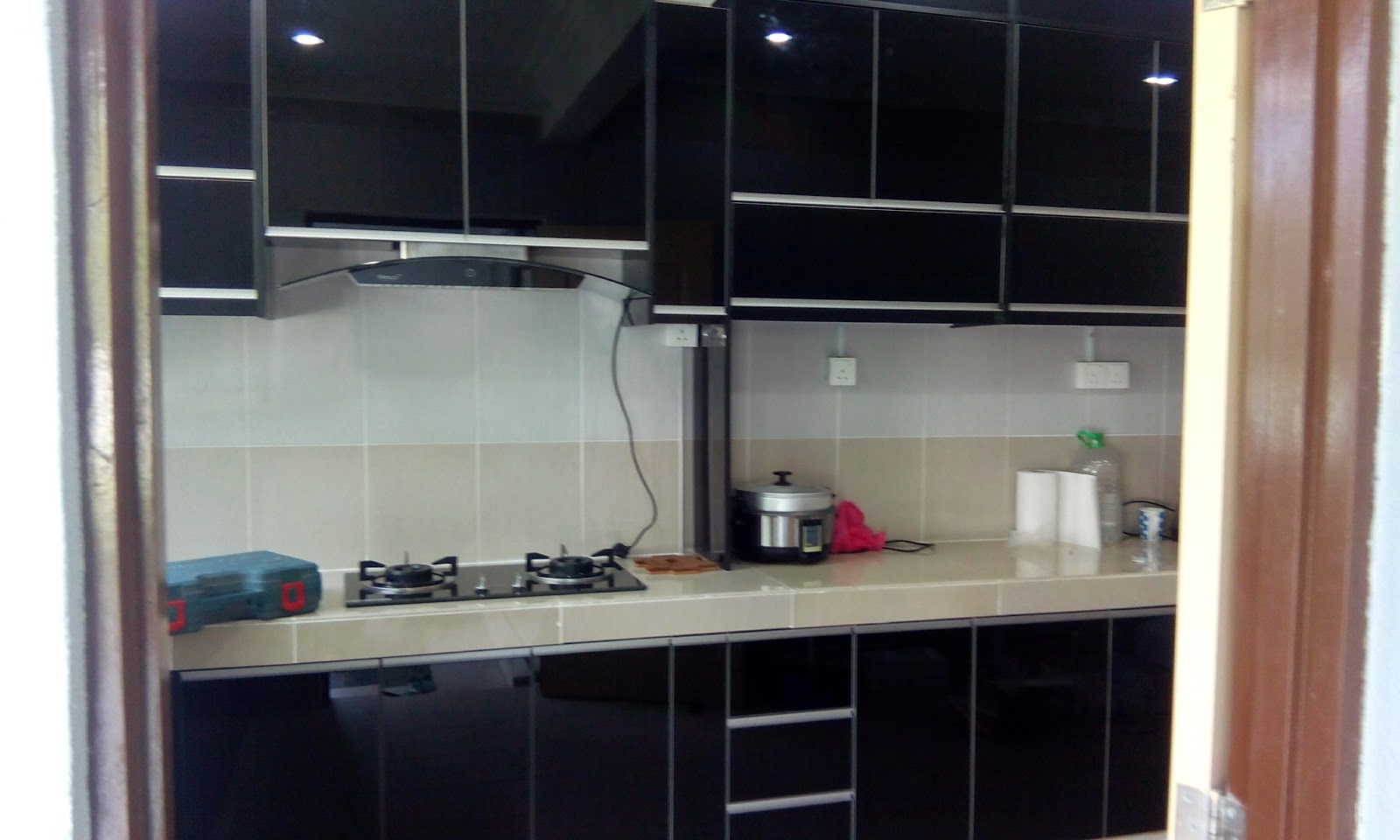 Kabinet Dapur  Warna  Hitam  Desainrumahid com