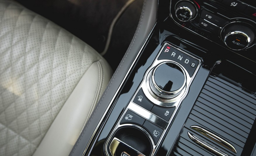 Xe Jaguar XJ Thế Hệ Mới 03