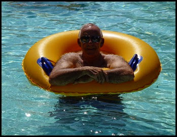 02c - Everybody in the Pool - Bill in Lazy River