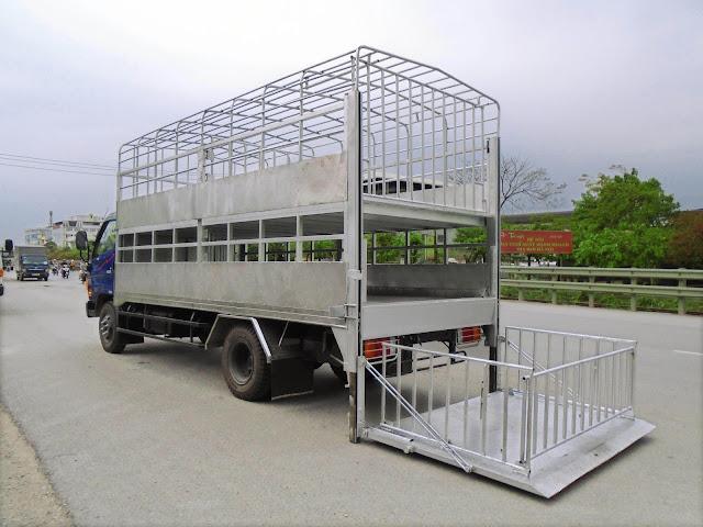 Xe chở lợn 8 tấn HD120s nâng tải