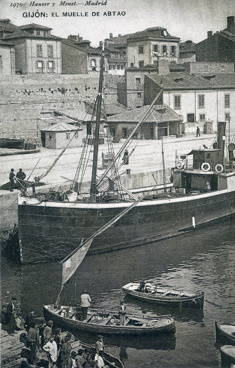 Bonita foto del VIVERO en el puerto de Gijón. Muelle de Abanto. Postal Hauser y Menet. Del libro EL PUERTO DE GIJÓN EN LA TARJETA POSTAL..jpg