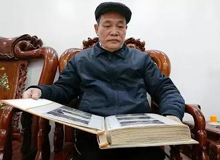 Ông Đào Nguyên An hồi tưởng quá khứ qua các bức ảnh tư liệu