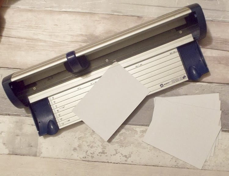 DIY magnetic polaroid cutting magnetic paper