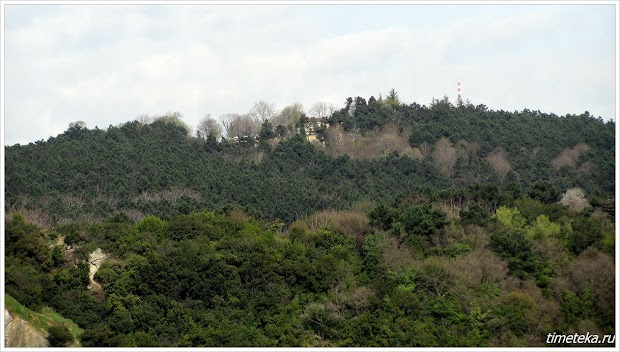 Могила Юши на горе Бейкоз. Вид с Босфора. www.timeteka.ru