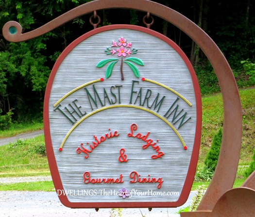 mast farm inn sign