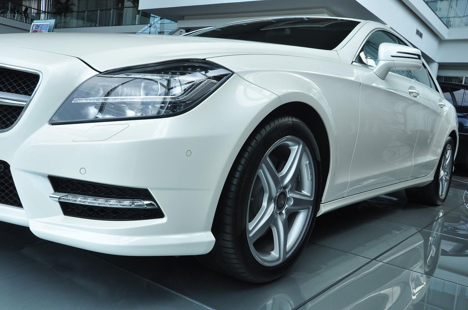 Xe Mercedes Benz CLS350 New Model màu trắng 04