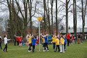 Schoolkorfbaltoernooi ochtend 17-4-2013 051.JPG