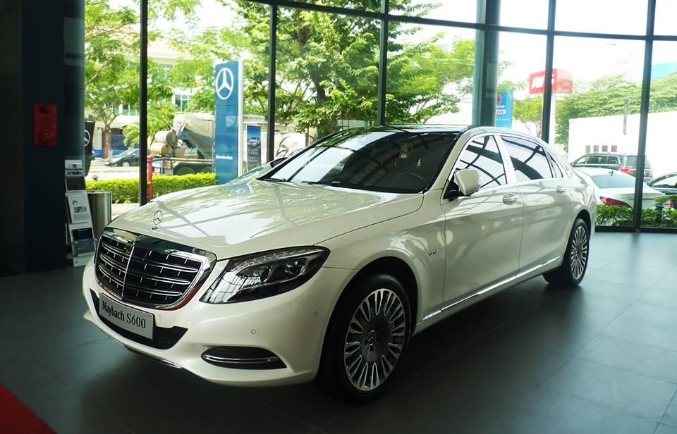 Xe Mercedes Benz S600 MAYBACH màu trắng 01