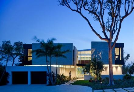 fachadas-de-diseño-casa-de-lujo-arquitectura-moderna