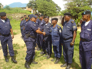 Raus de la police nationale à Matadi