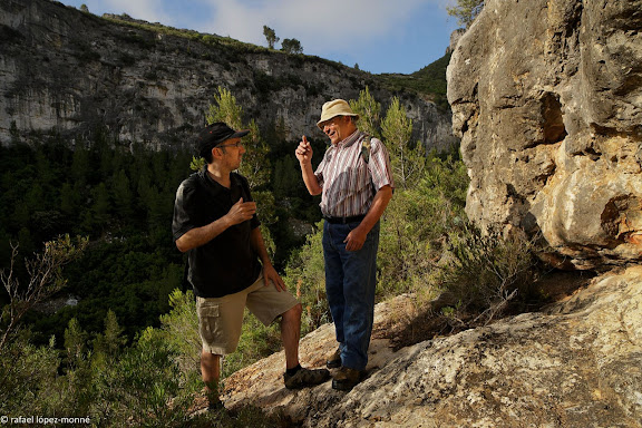 """Toni Orensanz i Joan Sambro (Associacio Lo Riu)La vall Closa (""""valle del ping pong"""" a la Guerra Civil), obagues de la Teuleria, Pandols.Gandesa, Terra Alta, Tarragona"""