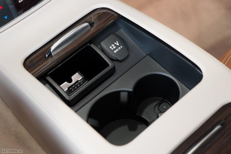 Xe Mercedes Benz CLS500 New Model màu trắng 027