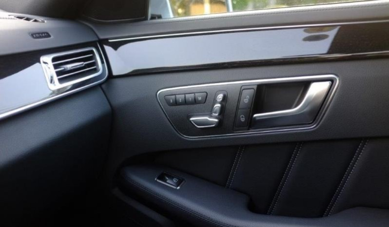 Nội thất xe Mercedes Benz E250 cũ màu xám 015