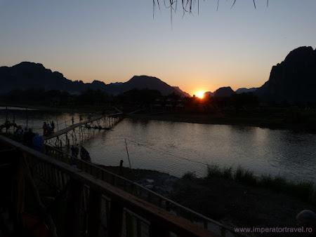 38. apus de soare Laos.JPG