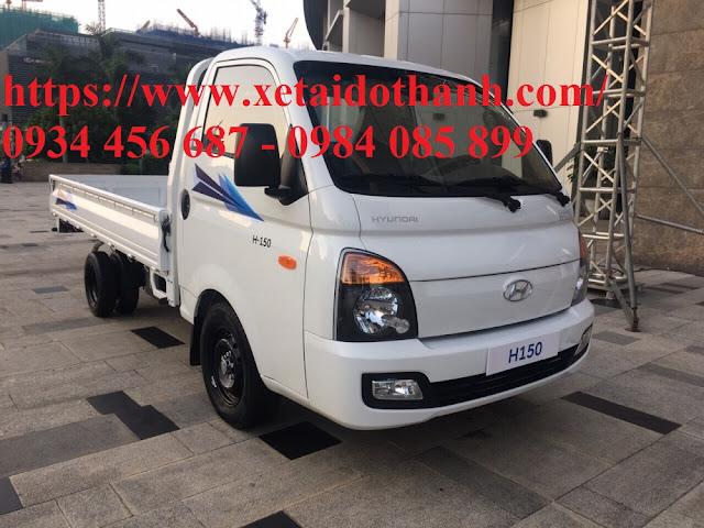 Hyundai H150 1,5 tấn thùng bạt