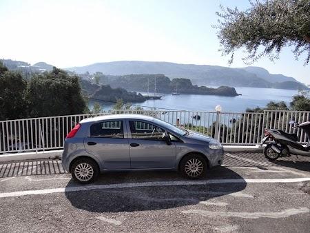 01. Masina inchiriata in Corfu.JPG
