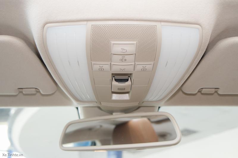 Xe Mercedes Benz CLS500 New Model màu trắng 021