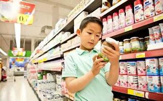 Lạm dụng thực phẩm chức năng ngoại, có nguy cơ gây hại cho trẻ.