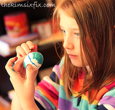 Painting easter egg