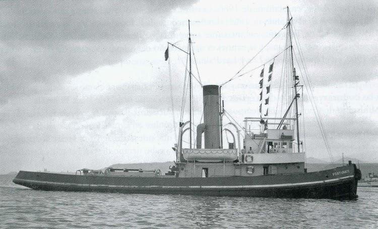 El remolcador FORTUNATE. Foto del libro Gris Naval en la Marina Mercante Española. Colección Juan GarridoLópez.jpg