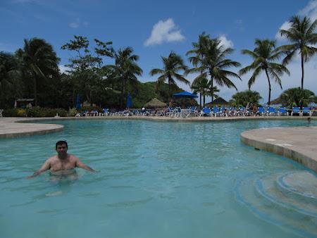 23. piscina.jpg