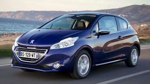 2013-Peugeot-208-HB-01.jpg