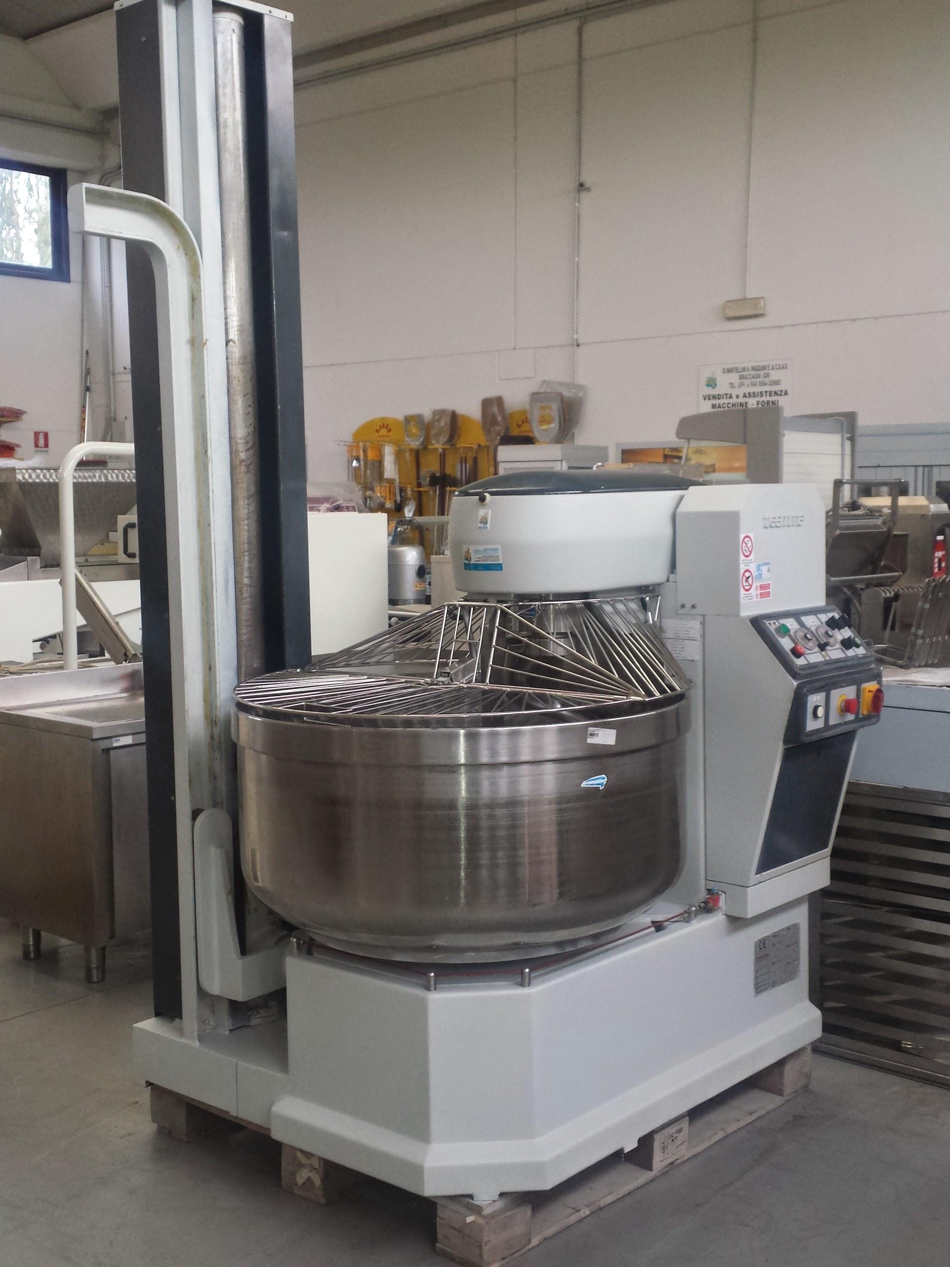 Forno rotor cucina impastatrice per panificio usata for Compro arredamento usato
