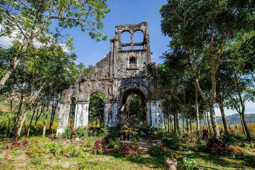 Nhà thờ cổ H'Bâu, Gp. Kontum