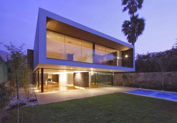 fachada-moderna-Arquitectura-Casa-Casuarinas-Metropolis