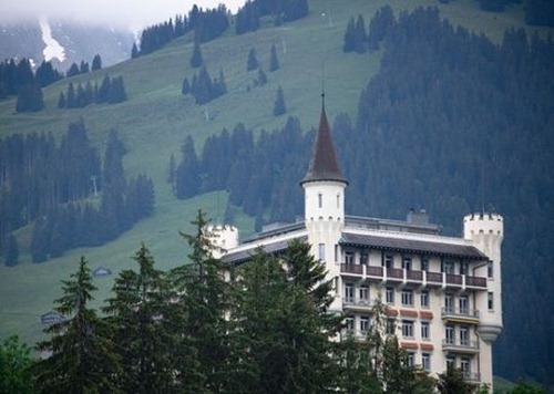 77Gstaad-Castle